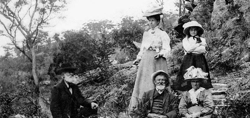 Photograph of a family picnic at Bobbin Head in 1909