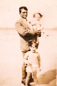 Walter Hazlewood with daughters